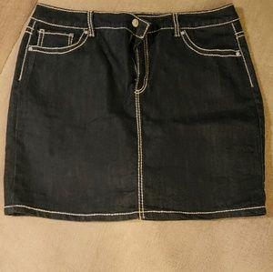 Nine West jean mini skirt.  Sz 16
